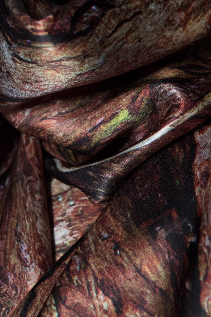 Detail of the Xu Zhimo Willow Scarf 徐志摩柳树丝巾 Made in Britain, 英国制造 by Howard Guest in 100% satin silk